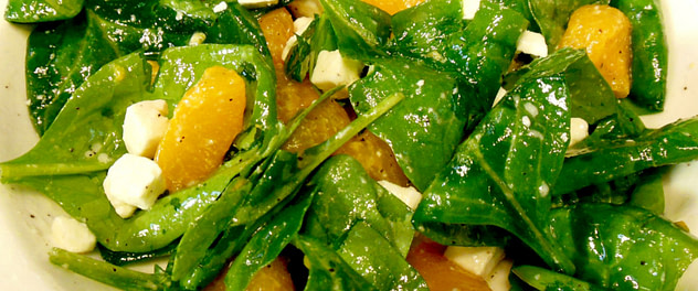 spinach salad with feta cheese and mandarins